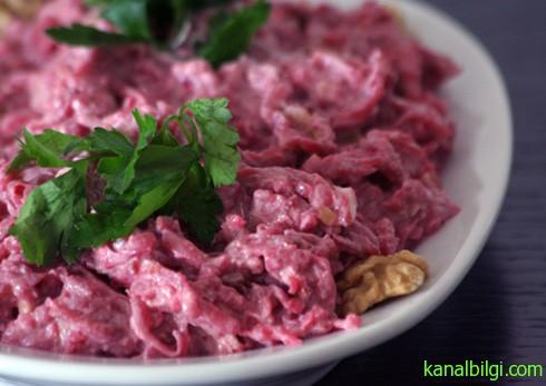 nar-eksili-pancar-salatasi